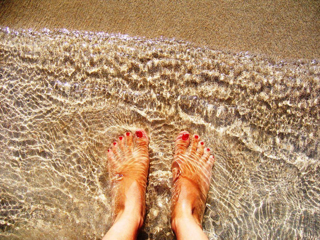 Imagen pies mar de la barrosa