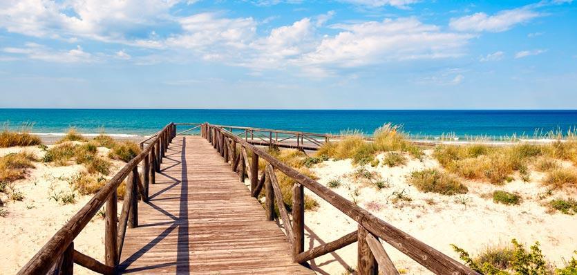 pasarela de acceso a la playa
