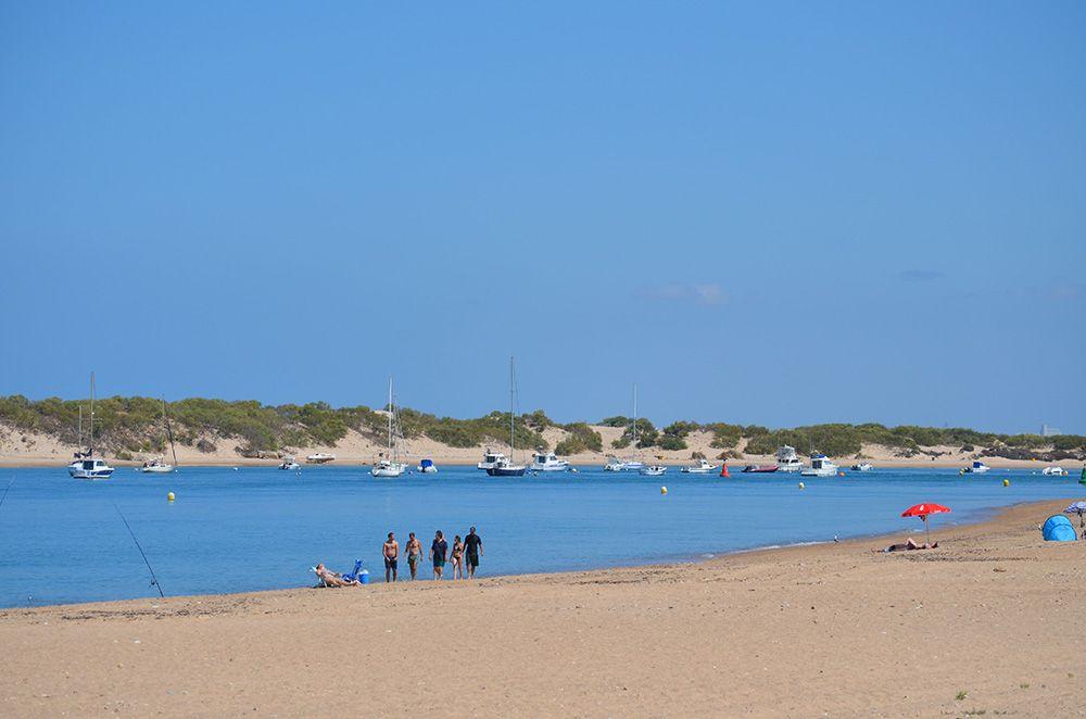 foto de la playa sancti petri en cádiz
