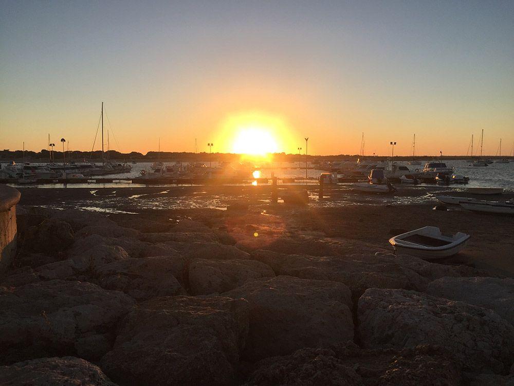 puesta de sol puerto deportivo poblado de sancti petri