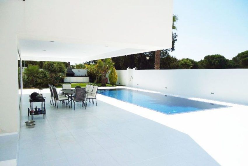 chalet con piscina infinity privada