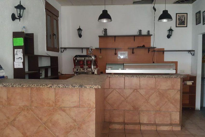 02-Local-comercial-Chiclana-C04385