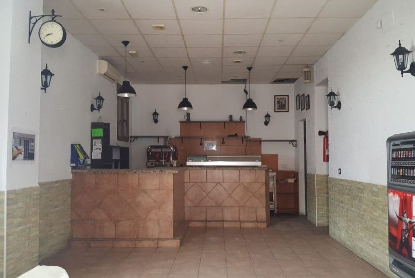 03-Local-comercial-Chiclana-C04385