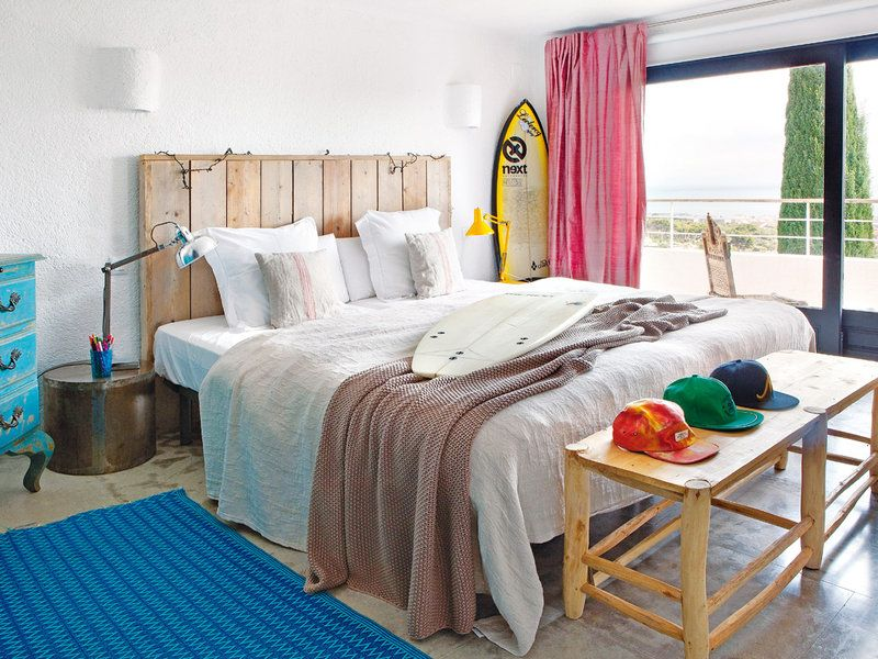 decoracion de dormitorio con tabla de surf moderno
