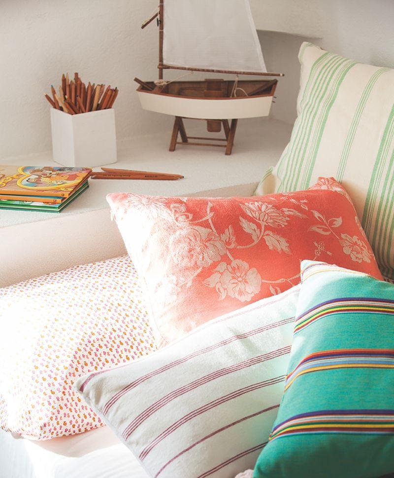 Fundas de cojines para decorar el sofá